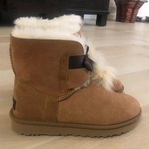 d6a3d297cec10 UGG Shoes - BRAND NEW UGG Gita Boots